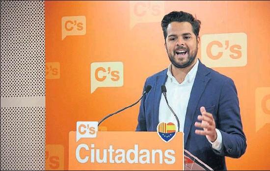 ?? ALEIX MOLDES / ACN ?? El secretario de comunicación de Ciudadanos, Fernando de Páramo, ayer en la sede de Barcelona