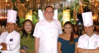 ??  ?? HOSTS. Waterfront's Chef Giovanni Sias, Jenny Romero, Hotel Manager Bryan Yves Lasalas, Eccee Gamalong & Chef Bien Chavez