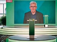 """?? FOTO: STEFFI LOOS/GETTY IMAGES ?? Empörungsspektakel: Winfried Kretschmann erklärt in seiner Parteitagsrede die Kritik an Baerbock für """"aufgebauscht""""."""