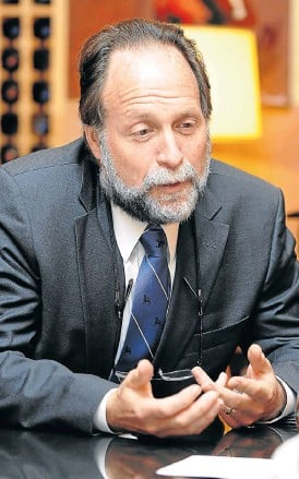 ?? /Robert Botha ?? Studying trends: Ricardo Hausmann, director of Harvard's Centre for Internatio­nal Developmen­t and a professor of the practice of economic developmen­t.