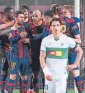 ?? FOTO: AFP ?? Lionel Messi hizo sufrir a Elche y recuperó la sonrisa de los Culés.
