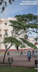 ??  ?? Vista del Teatro La Caridad desde el Parque Leoncio Vidal.