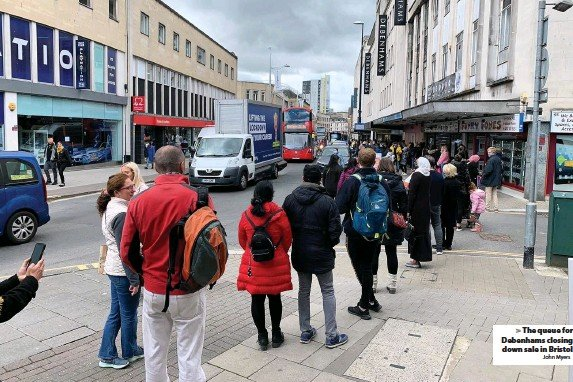 ?? John Myers ?? The queue for Debenhams closing down sale in Bristol