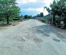 ??  ?? Los moradores de este populoso sector de Portoviejo esperan ser atendidos.