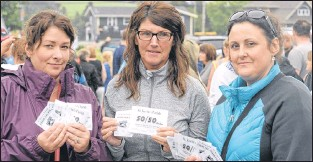 ?? JOE GIBBONS/THE TELEGRAM ?? Showing their disappointment with their tickets are (from left) Tanya Moore of Maddox Cove, Colleen Hopkins of Old Perlican and Michelle Skinner of Harbour Breton.