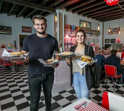 ?? FOTO JOREN DE WEERDT ?? De hamburger- en milkshaketent lijkt zo uit het Amerika van de jaren vijftig weggelopen.
