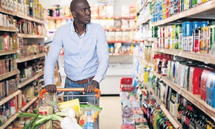 ?? / 123RF ?? With 11,6% increase on food prices, families living on low income underspend on basic nutritional food, report shows.