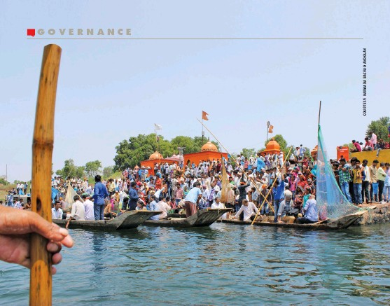??  ?? Protests gather pace across Narmada Valley after the Supreme Court allows the Sardar Sarovar Dam to operate at its full capacity and asks the government to relocate all affected families by July 31