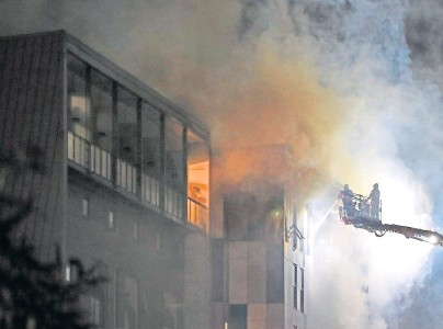 ??  ?? FIGHTING FLAMES: The Cube accommodation block houses more than 200 students at Bolton University
