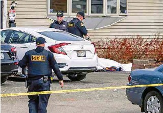 ?? EFE ?? En Kenosha, Wisconsin, se registró el ataque a tiros en un bar, en el que murieron tres personas.