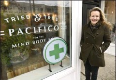 ?? JOHN RENNISON, THE HAMILTON SPECTATOR ?? Tamara Hirsch owns Pacifico Life. She says she is very careful. A potential customer must fill out an eight-page form and have a medical prescription or doctor's note.