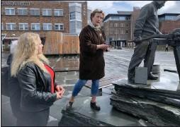 ??  ?? Irene Ojala og Pasientfokus mente alvor da de la ned grunnsteinen for Alta Sykehus. Nå har de satt en tidsgrense på fem år for å få sykehuset realisert med penger fra en nyetablert stiftelse. (Foto: Jarle Mjøen)
