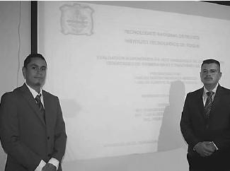 ??  ?? Bárcenas y Carlos Antonio presentaron su trabajo de tesis.
