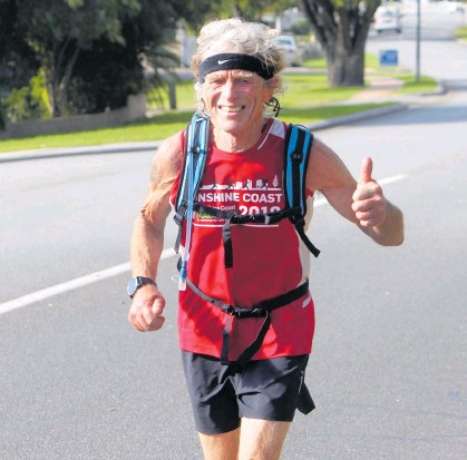 ?? Picture: Laurie Benson ?? Albany manRalph Flowers nears the finish of his marathon on Global Running Day.