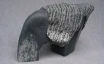 ?? FOTO: PRIVAT ?? STEN & VÄV. Lore Nynnells skulpturer finns till beskådan på Väsby konsthall.