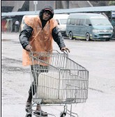 ?? PICTURE: SIBUSISO NDLOVU ?? Sboniso Mqadi from Lindelani pushes a trolley at the market in Warwick Junction, Durban.
