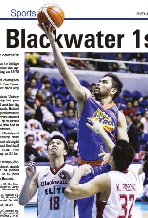 ??  ?? TNT's Ranidel de Ocampo scores a layup over Blackwater's Art dela Cruz (18) and Kyle Pascual during their PBA Philippine Cup game at the Smart Araneta Coliseum. TNT won, 99-92. (Jay Ganzon)