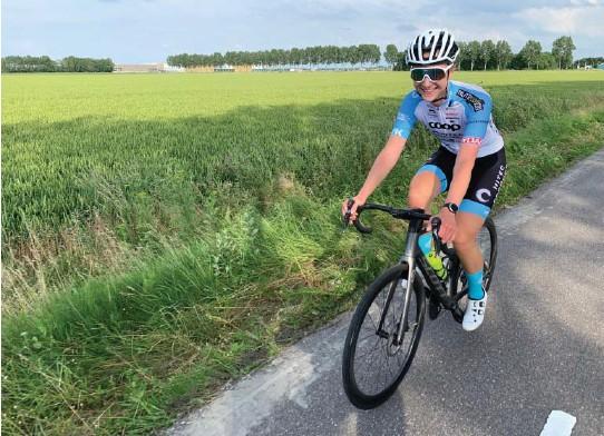 ?? FOTO: PRIVAT ?? Naturtalent: Sjefen i profflaget kaller Ane Iversen «en uslepen diamant med utrolig god motor». Dette bildet er tatt på en treningstur i Belgia, i forkant av rittet Baloise ladies tour, som Iversen deltar på i helgen .