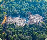 ??  ?? A deforested plot of the Amazon rainforest in Brazil. A UN report published in 2015 identified Argentina as one of the 10 most deforested countries in the world. — AFP