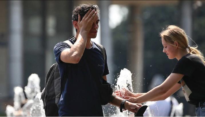 ?? Foto: Getty Images ?? Über mehrere Jahre erhobene Daten aus 43 Ländern zeigen: 37 Prozent aller Todesfälle, bei denen Hitze eine Rolle spielte, sind auf die Erderwärmung zurückzuführen.