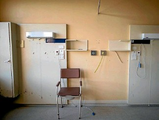 ?? PHOTO: IAIN McGREGOR/FAIRFAX NZ ?? Mental health services are the only ones left in this ''derelict'' old hospital with its empty wards and abandoned corridors. And they want out.