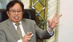 ??  ?? Sarawak Chief Minister Datuk Patinggi Abang Johari Abang Openg led a delegation to Singapore for a two-day working visit.