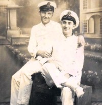 ?? Robin Curry ?? Mr Curry, left, with a navy friend