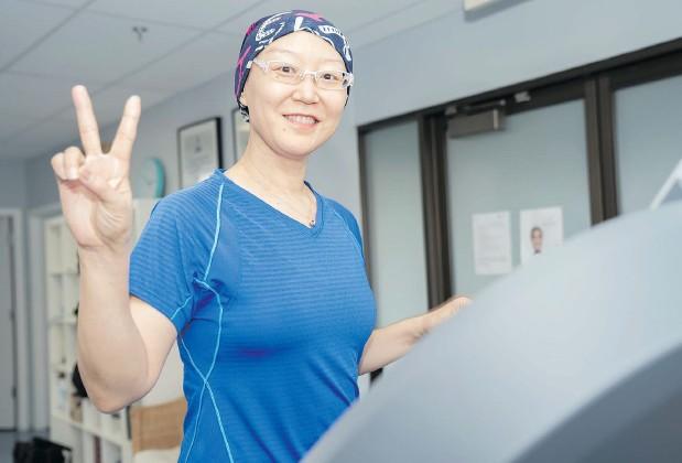 ?? — PHOTOS: REID LUCIER ?? Lesley Zhao gets her exercise in.
