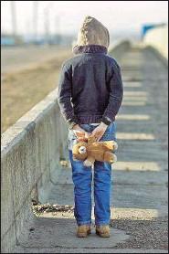 ??  ?? Arbeitslosigkeit der Eltern oder unverschuldete Notsituationen führen immer häufiger dazu, dass mehr als 400.000 Kinder und Jugendliche in Österreich in Armut aufwachsen.