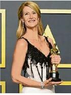 ?? Foto: Jordan Strauss/Invision/dpa ?? Laura Dern erhielt die Trophäe als beste Nebendarstellerin.