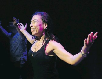 ??  ?? Van­cou­ver writer and per­former Car­men Aguirre ditches a script for story points and dance lessons in Bro­ken Tail­bone, her col­lab­o­ra­tion with the Toronto-based Nightswim­ming dra­maturge com­pany.