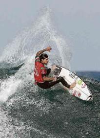 ?? Loren Elliott/reuters ?? Os surfistas Gabriel Medina (foto) e Yago Dora foram à terceira fase da etapa de Narrabeen (AUS) da Liga Mundial de Surfe