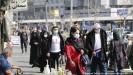 ??  ?? Passanten in Irans Hauptstadt Teheran - die Krise ist überall spürbar