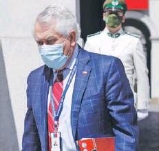 ??  ?? ► El ministro de Salud, Enrique Paris.