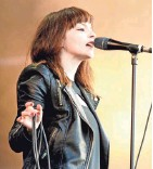 ?? SHIRLAINE FORREST, WIREIMAGE ?? Lauren Mayberry of Chvrches performs to restore the National Mall.