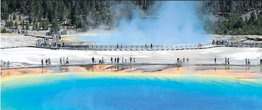 ?? Picture: 123rf.com/wisanuboonrawd ?? KEEP IT CLEAN A new adventure in Yellowstone National Park, Wyoming, aims to reduce visitors' impact.