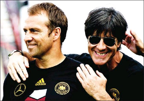 ?? AFP ?? Outgoing Bayern Munich coach Hansi Flick (left) will succeed his former boss Joachim Loew in the Germany dugout after the Euro 2020 finals, the German FA (DFB) said on May 25.