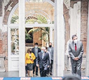 ??  ?? El Presidente Piñera visitó ayer el palacio Pereira, donde funcionará la convención constitucional.