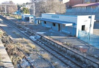 ?? Photo: David Edwards ?? Hamburg Station, near Roodepoort, has also been the target of thieves.