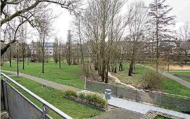 ?? Foto: Guy Jallay ?? 2,2 Millionen Euro stehen im Dippacher Budget bereit, um 2021 in den Ausbau des Parks und in eine Unterführung unter der Nationale 5 investiert zu werden. Im Projekt inbegriffen ist auch die Renaturierung der Mess sowie der Bau eines Wasserrückhaltebeckens flussabwärts von Schouweiler.