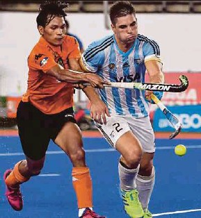 ??  ?? Argentina's drag-flick specialist Gonzalo Peillat (right) has scored back-to-back hat-tricks at the ongoing Azlan Shah Cup.