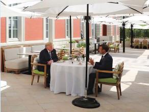 ??  ?? Enjeux. Emmanuel Macron et Donald Trump à l'occasion du sommet du G7, à Biarritz, le 24 août 2019. La crise de la 5G entre la Chine et les ÉtatsUnis a des répercussions sur la France.
