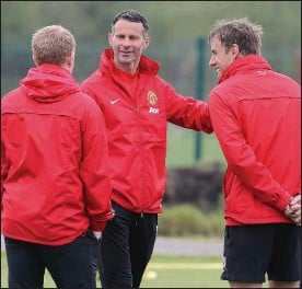 ??  ?? CLASS ACT: Ryan Giggs with his long-time playing colleagues