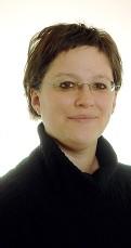 ??  ?? Intellettuali Da sinistra: Ilaria Pertot, direttrice del Centro agricoltura alimenti ambiente della Fem; Begüm Demir lavora all'università di Trento e sta lavorando all'ambizioso progetto «Big Earth»; Cinzia Piciocchi è docente di diritto pubblico: si...