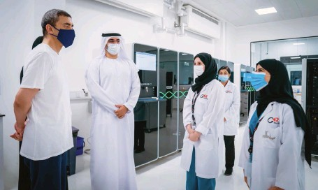 ??  ??  H.H Sheikh Abdullah bin Zayed Al Nahyan, Minister of Foreign Affairs and International Cooperation, visited G42 Healthcare's Omics Centre of Excellence, in Masdar City, to take part in the Emirati Genome Programme