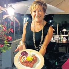 ?? LDD ?? Ivana Rodrigues présente, heureuse, son tartare.