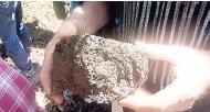 ??  ?? Basalt rock up close.