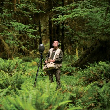 ??  ?? TUNING IN Acoustic ecologist Hempton is on a mission to preserve pockets of silence, which in turn fosters more creativity, intelligence and social responbility.