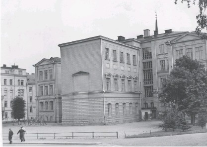 ?? HBL-ARKIV ?? STÅTLIG BYGGNAD. Bilden är tagen år 1939. Just nu är byggnaden tom eftersom skolhuset ska renoveras.