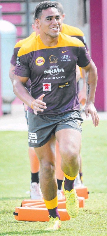 """??  ?? RUNNING WITH IT: Forward Joe Ofahengaue, pictured at Broncos training, has inked a new deal with the club after being """"always keen to stay"""". Picture: Jono Searle"""